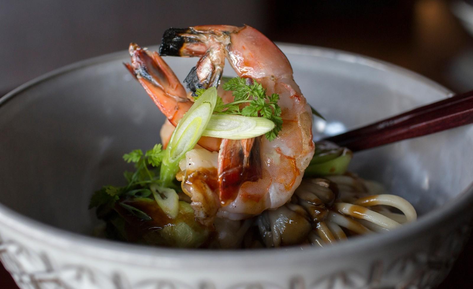 grilled-shrimp-udon-sec-fish-shellfish-1600px