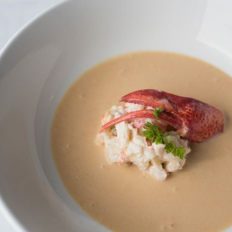 lobster bisque sec -SOUPS-700px
